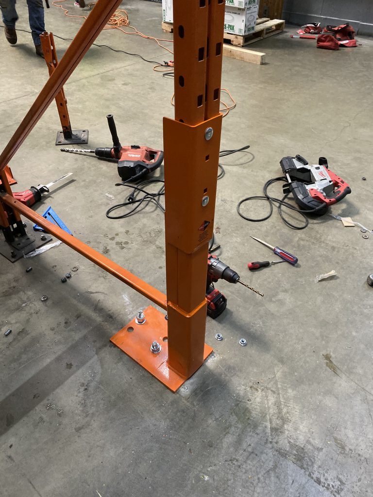 Pallet upright with rack repair kit installed